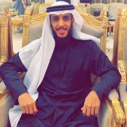 تلقا العرب في مكتبه مثل الافواج  سيّد وفاء كان الوفا فيه ساده